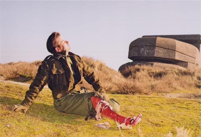 This is not the truth, geënsceneerde foto, 1999/2000