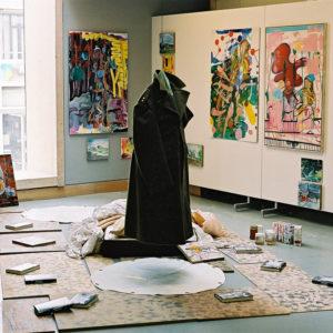 Het Paradijs, installatie, Tentoonstelling Memorial Images, CBK Alphen aan de Rijn, 2002