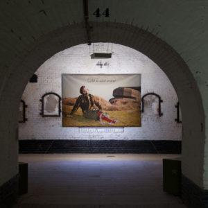 This is not the truth, geënsceneerde foto, 1999/2000, Fort bij Asperen 2018